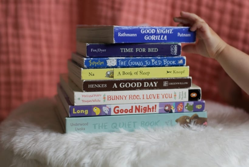 Our favorite bedtime board books for babies. Read our recommendations for the sweetest stories to add to your baby's bedtime routine.