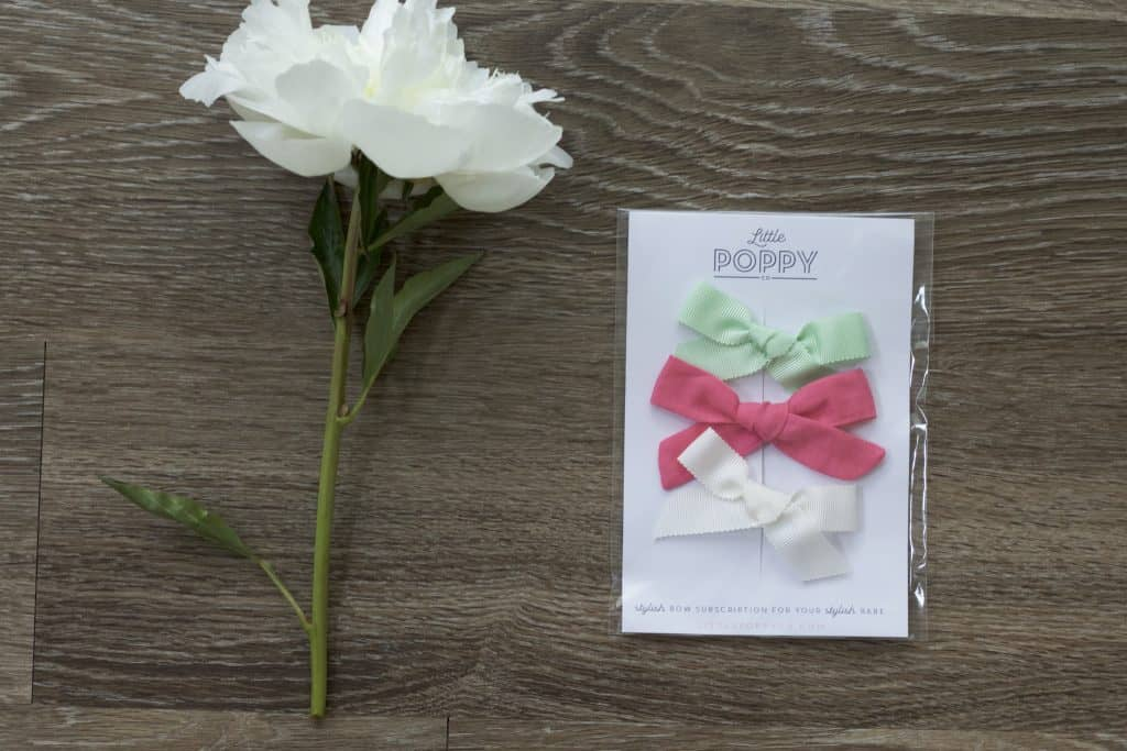 Little Poppy Co. June bows! Read my review of this fun subscription service and check out this cute gelato-inspired color palette.