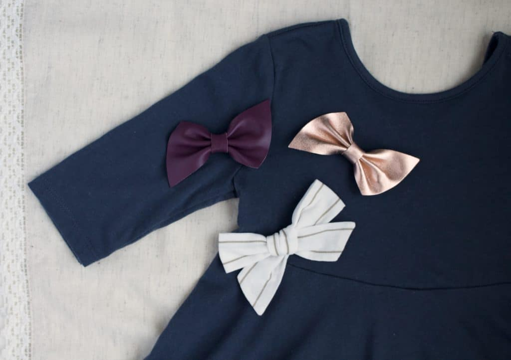 My review of Little Poppy September bows and more about my favorite bow subscription and one of my favorite baby shower gifts for baby girls!